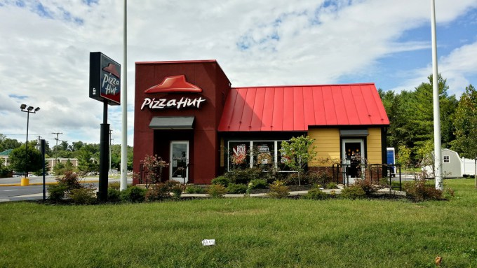 Man sues Pizza Hut over 'excessively hard croutons'